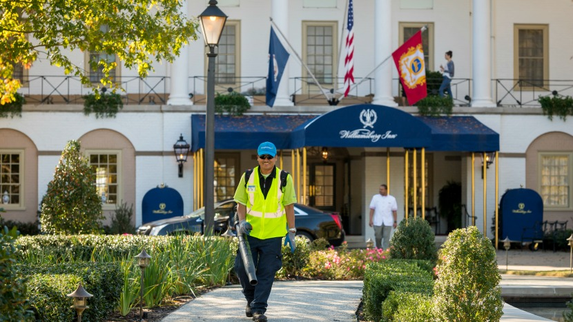 Colonial Williamsburg landscaping outsourcing